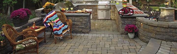 Reforma tu terraza con piso de piedra for Patios de piedra