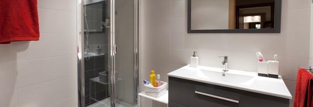Puedo pagar la reforma del baño de mi piso o de mi casa?